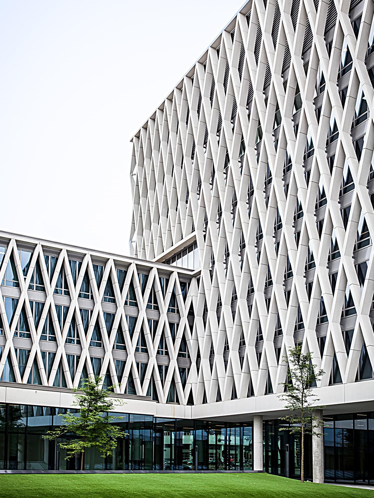 Artesis Hogeschool met X-elementen van Verheyen Beton